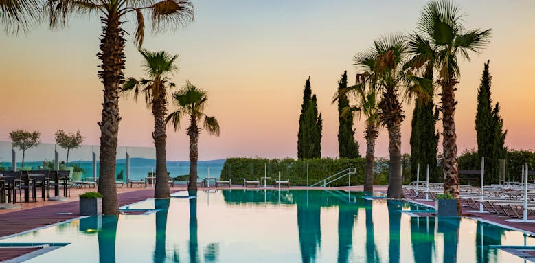 Radisson blue resort, outdoor pool
