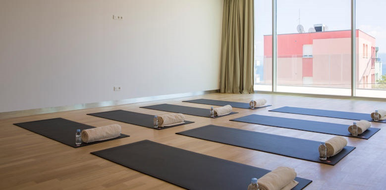 Radisson blue resort, yoga room