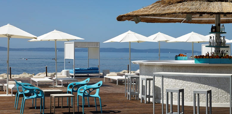 Radisson blue resort, mistral deck