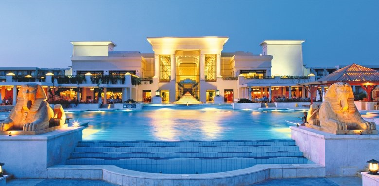 Sheraton Soma Bay Resort, resort at night
