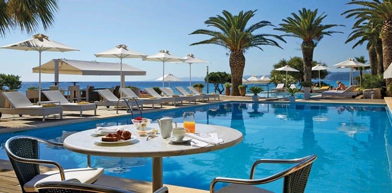 Afitis Hotel, breakfast by the pool