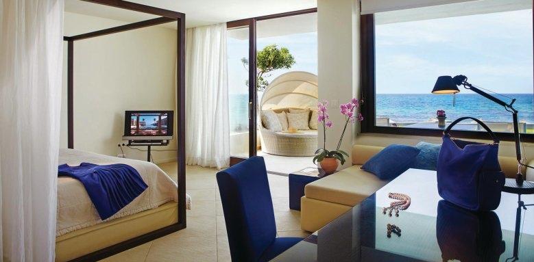 Grecotel Amirandes, deluxe junior bungalow suite