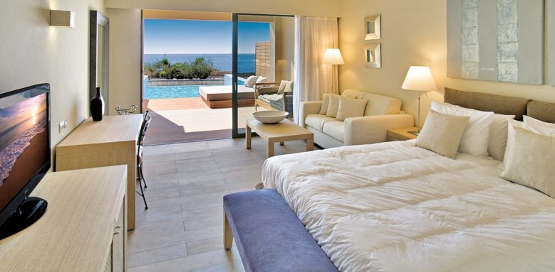 AquaGrand, suite with private pool