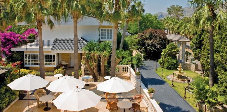 La Moraleja, terrace