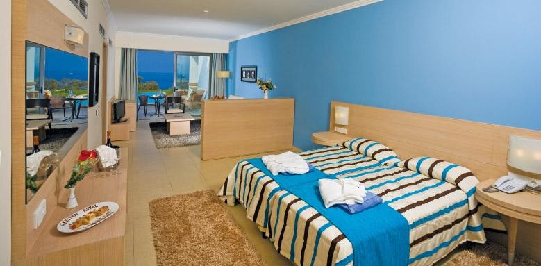 The Kresten Royal Villas & Spa, junior suite pool