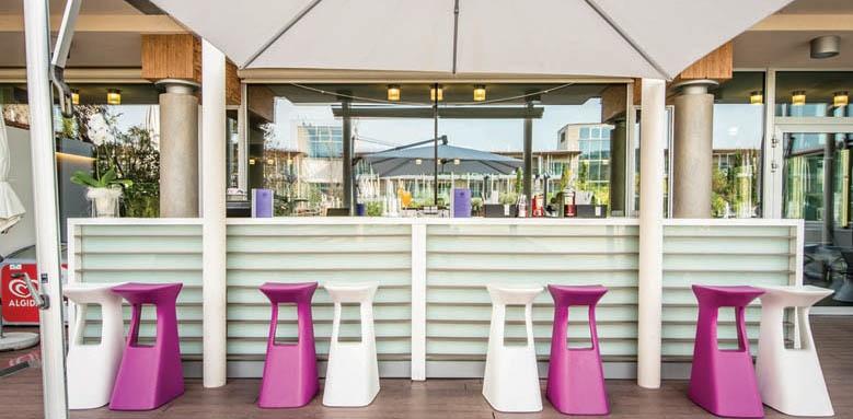 Aqualux Hotel Spa Suite & Terme, pool bar