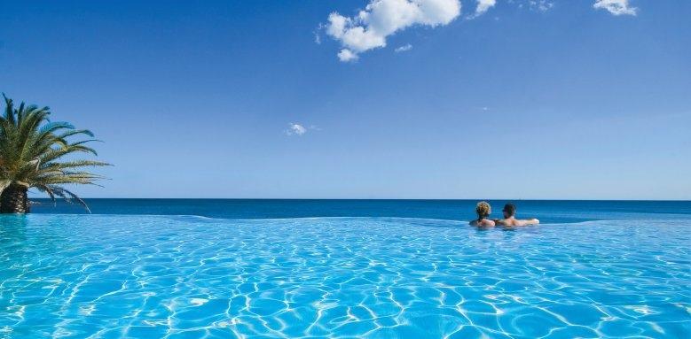 Hotel Costa Dei Fiori, infinity pool