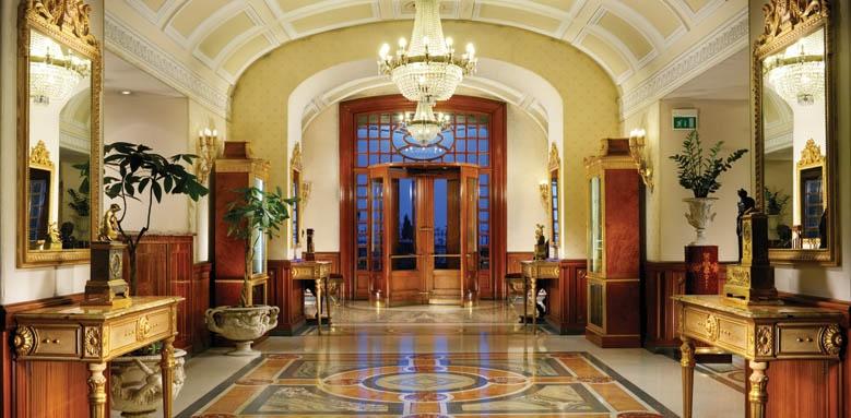 Grand Hotel Parker's, lobby