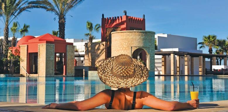 Sofitel Agadir Royal Bay Resort, lady in sun hat