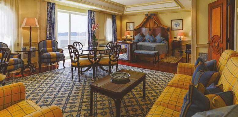 Lapa Palace, tower room