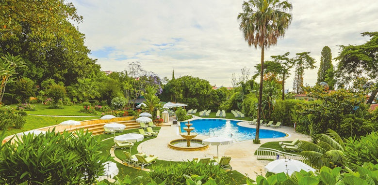 Lapa Palace, pool view
