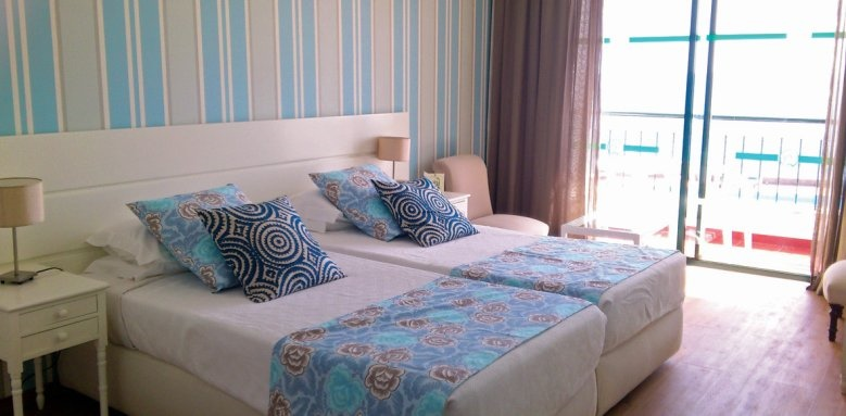 Quinta da Penha de Franca, twin room with side ocean view