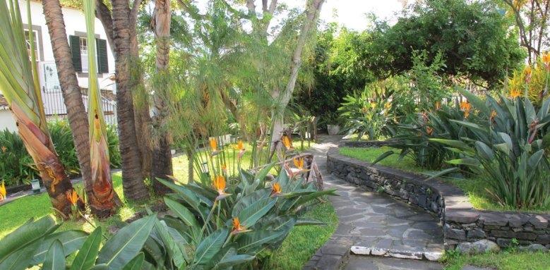 Quinta da Penha de Franca, garden path