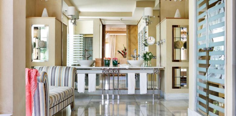 Las Villas Gran Hotel Bahia Del Duque, La Mimosas bathroom