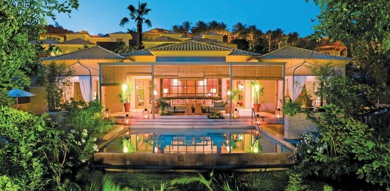 Las Villas Gran Hotel Bahia Del Duque, La Mimosas villa exterior at night
