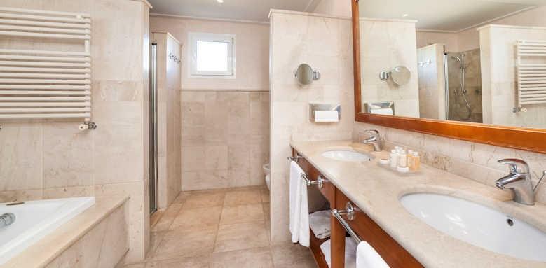 Insotel Punta Prima Prestige, Prestige Suite bathroom