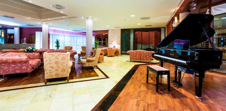 Insotel Punta Prima Prestige, lobby bar