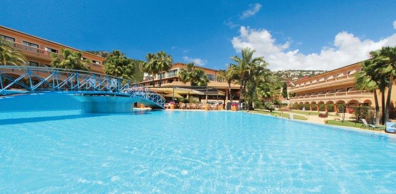 Mon Port Hotel & Spa, pool