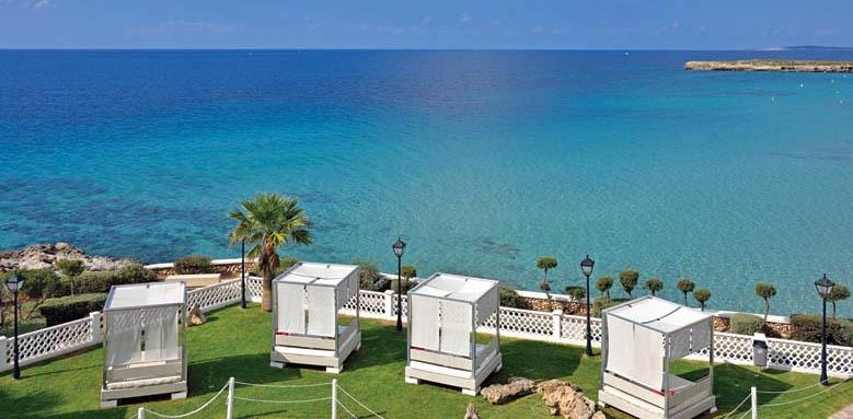 Sol Menorca, bali beds