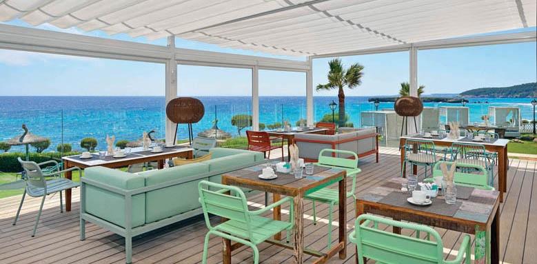 Sol Menorca, restaurant terrace