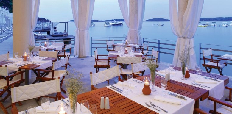Amfora, Hvar Grand Beach Resort, restaurant at Bonj