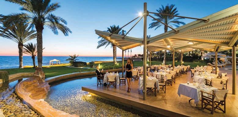 Athena Beach, adonis restaurant