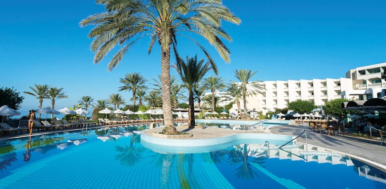 Constantinou Bros Athena Beach Hotel, view of hotel and pool