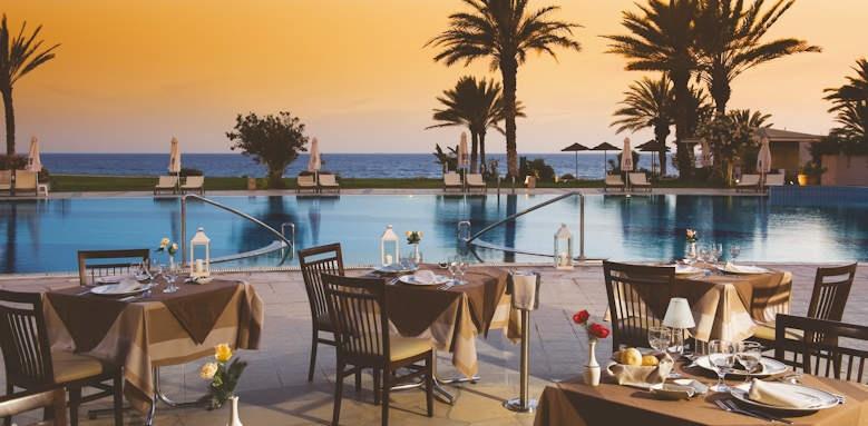 Constantinou Bros Athena Beach Hotel, Leda italian restaurant