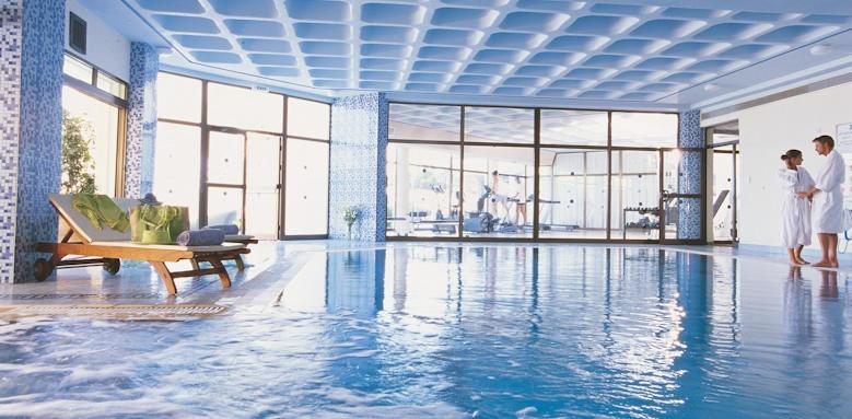 Constatinou Bros Athena Royal Beach Hotel, indoor pool
