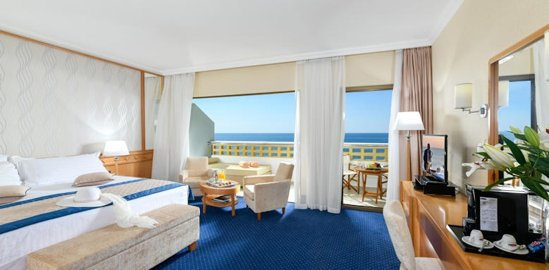 Constatinou Bros Athena Royal Beach Hotel, junior suite room