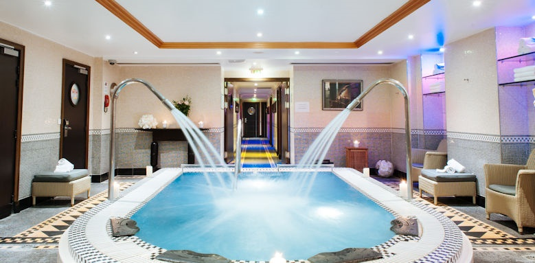 L'Hotel du Collectionneur, Spa and Jacuzzi Image