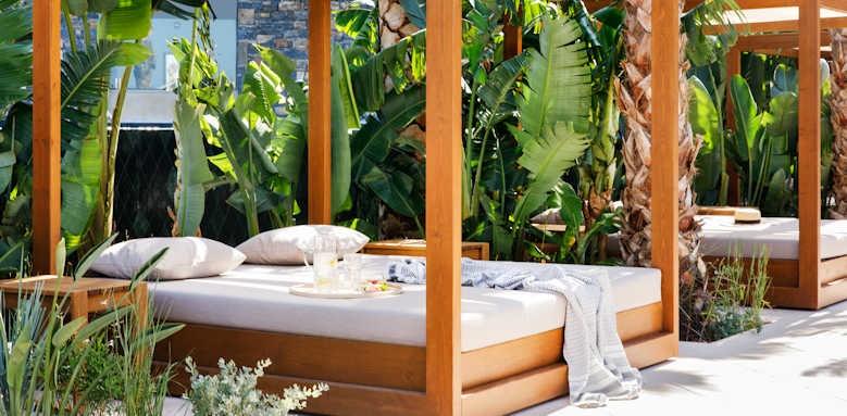 Daios Cove Luxury Resort & Villas, gazebo
