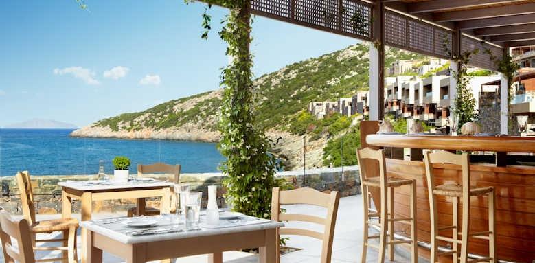 Daios Cove Luxury Resort & Villas, taverna restaurant