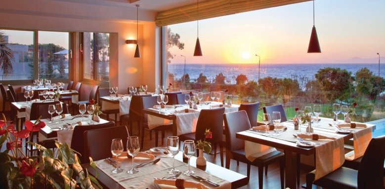 Elite Suites Amathus Beach Hotel Rhodes, Varkarola restaurant