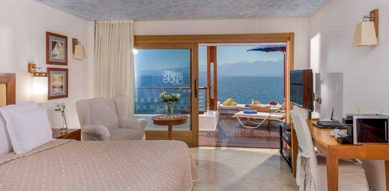 Elounda Beach hotel and villas, bungalow waterfront