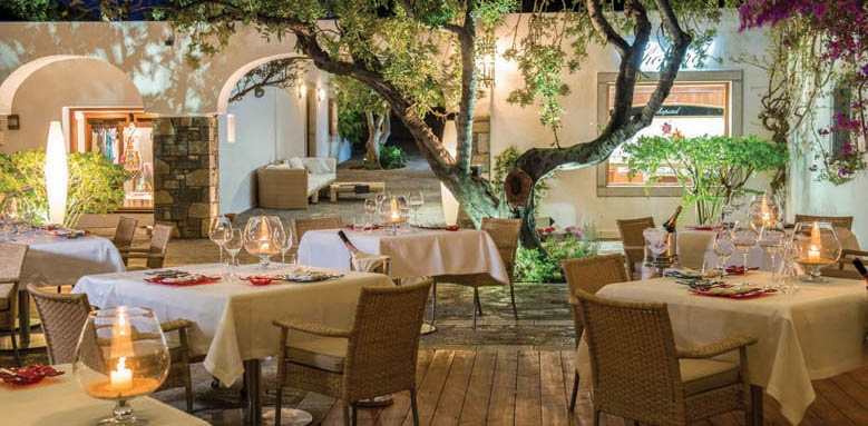 Elounda Beach Hotel, Dionysos restaurant