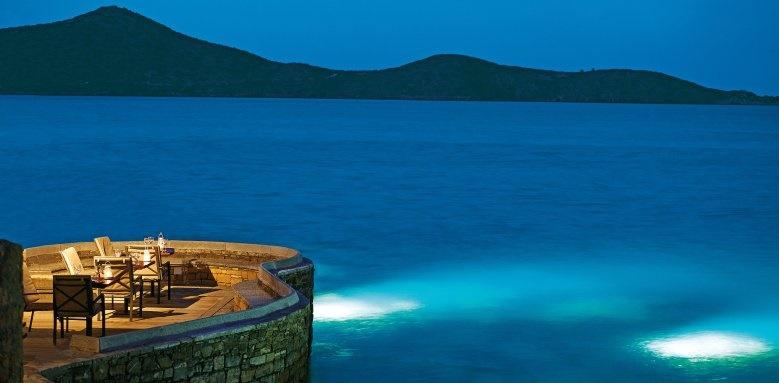 Elounda Peninsula All Suite Hotel, Koh Restaurant at night