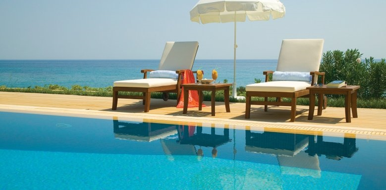 Regina Dell'Acqua Resort, poolside loungers