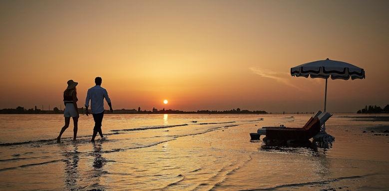 belmond hotel cipriani, beach walk