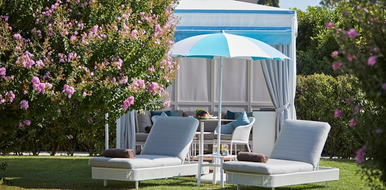 belmond hotel cipriani, poolside lounger