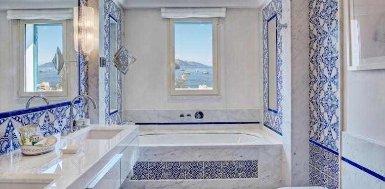 belmond villa sant andrea, bathroom view