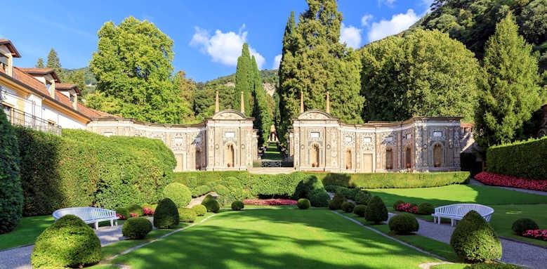 Villa d'Este, Mosaic front