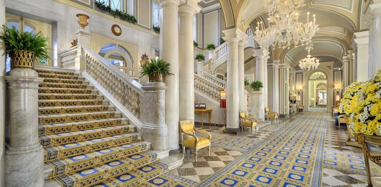 Villa d'Este, lobby