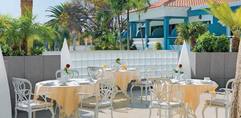 Hotel Colon Guanahani, breakfast terrace