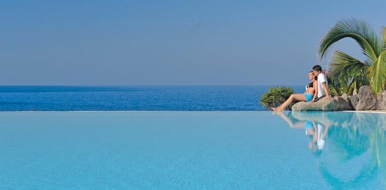 Gran Hotel Roca Nivaria, infinity pool