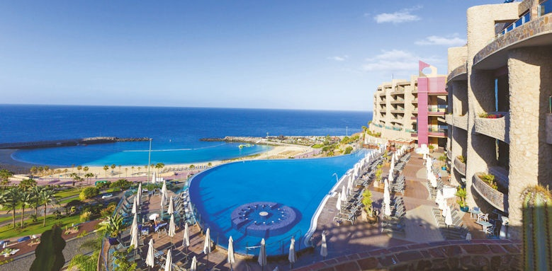 gloria palace royal, overview