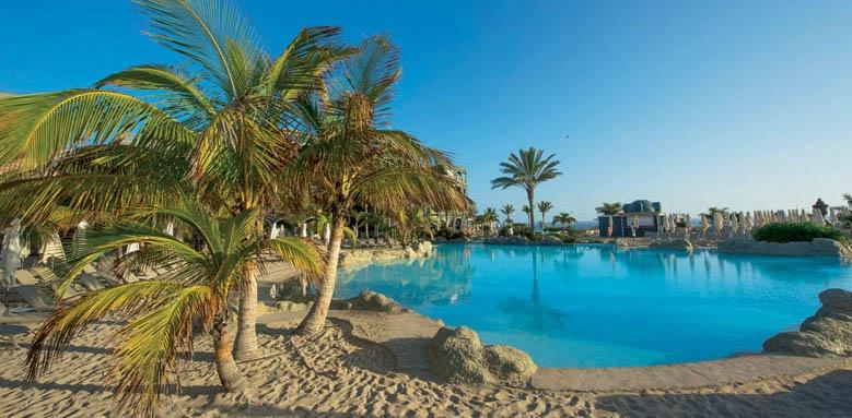 Lopesan Villa del Conde Resort & Thalasso, poolside beach
