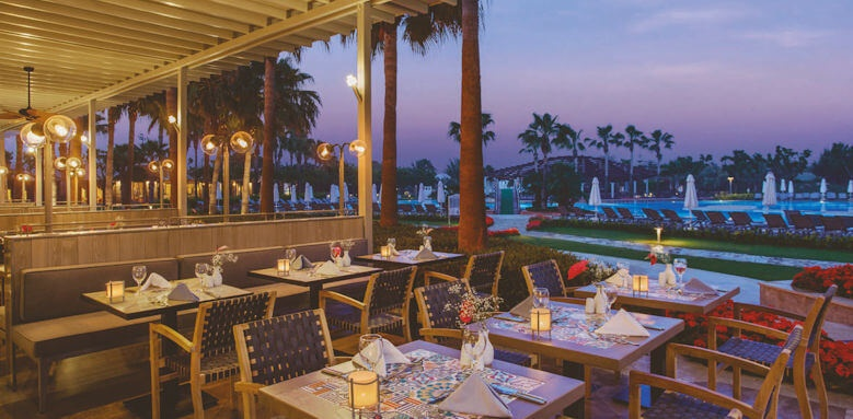 Barut Lara, zestful main restaurant