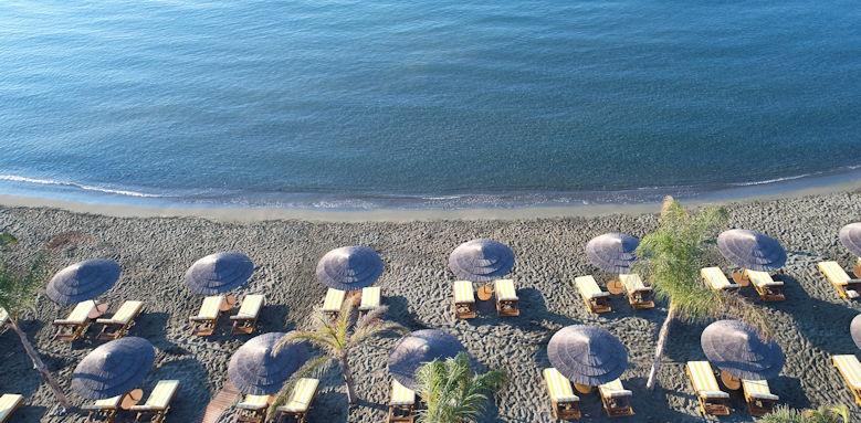 Four Seasons, beach