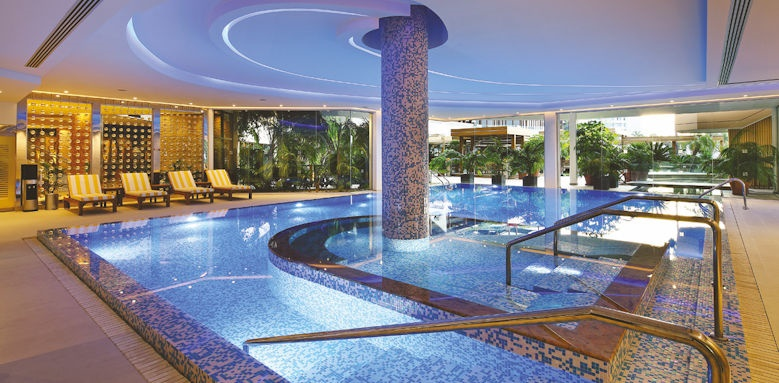Four Seasons, indoor pool